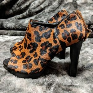 Banana Republic Leopard Peep Toe Booties Size 5